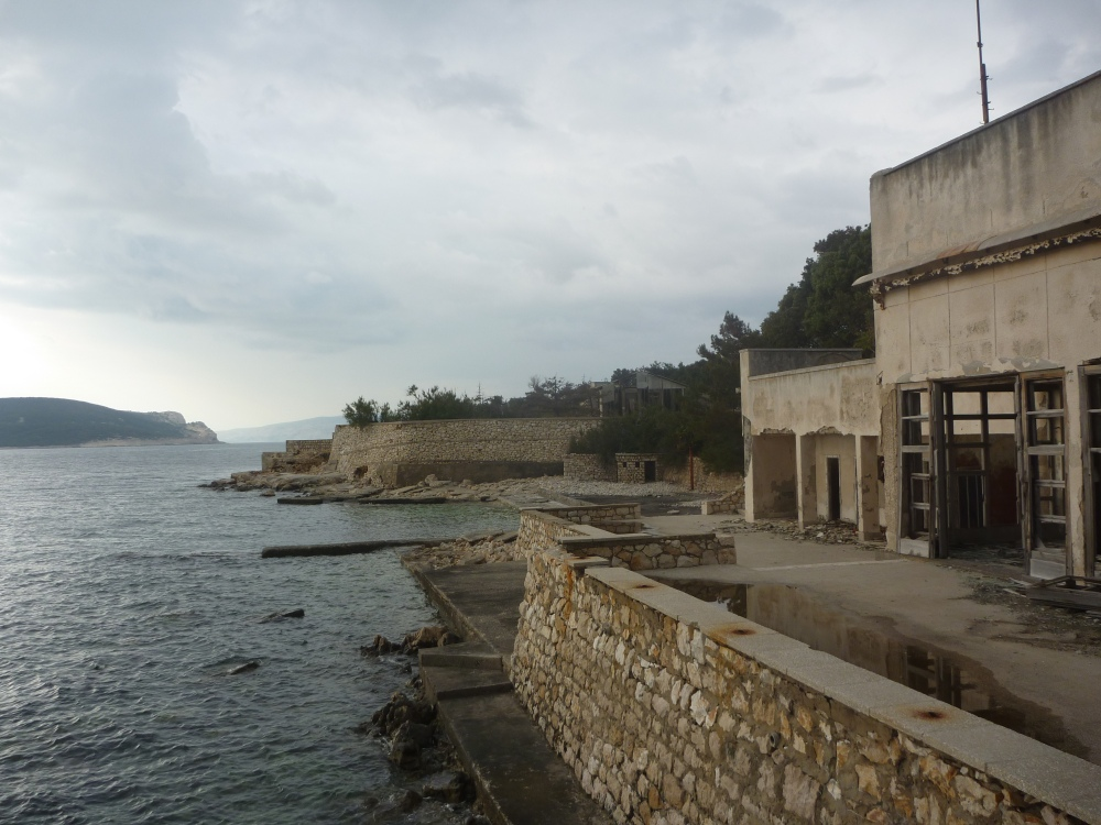Stráže měly dokonce na pobřeží plovárnu