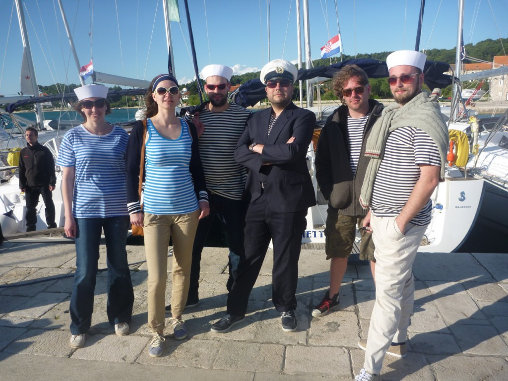 Posádka Blue Cruising v námořnickém
