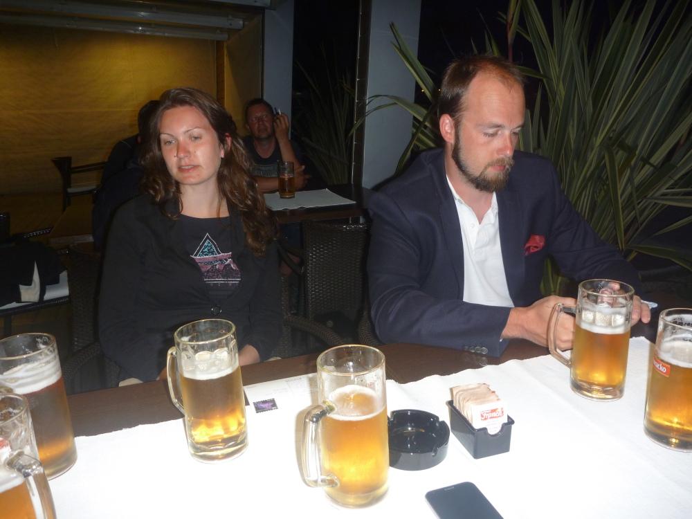 Na pivu po přistání