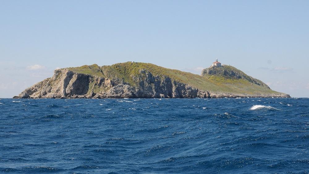 To je on. Ostrov Palagruža.
