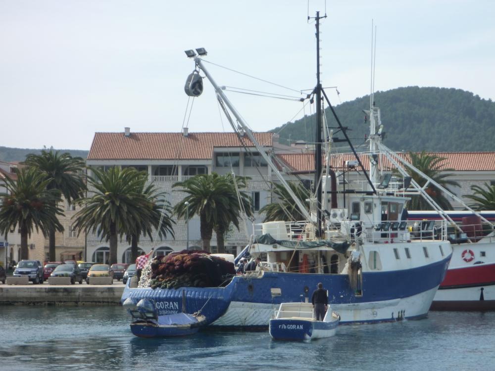 R/B (ribarski brod?) GORAN
