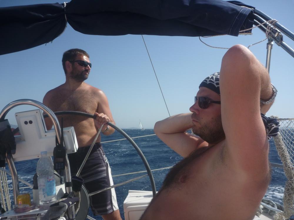 Plachetnice je vlastně takový větší windsurf.