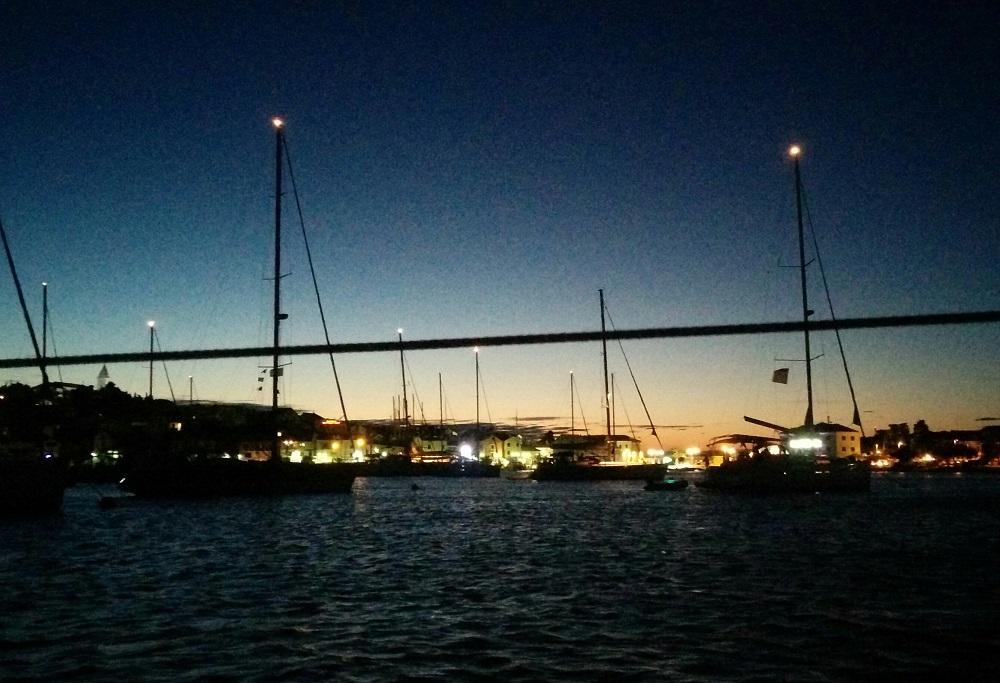 Nádherný, studený večer u Primoštenu.